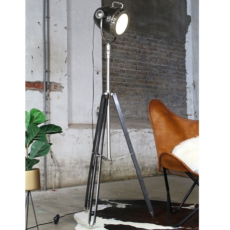 Stehlampe New York Raw Nickel Industriedesign